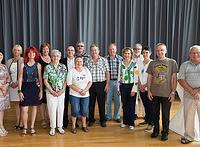 Donatie aan ouderensociëteit 'De Kwakelhof'.