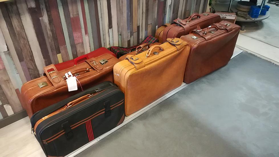 Dromehof schenkt koffers aan Wilgaerden